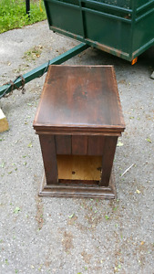 Doghouse end table