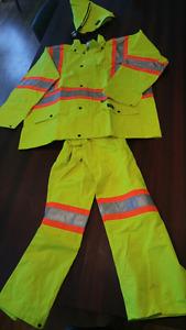Mens XL Helly Hansen Rain work wear.