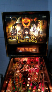 Huo Stern Lord of the rings pinball