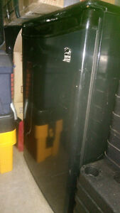 Bar fridge new price firm $50
