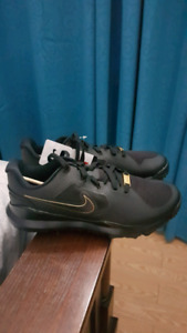 Tiger Woods Golf Shoes Brand New Size 10.5