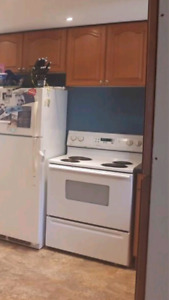 Maytag electric stove, oven