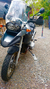 BMW R1200GS low mileage, panniers, extra seat