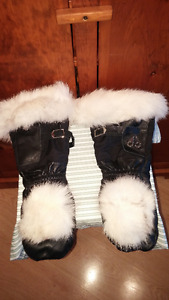 Never Worn MOOSE KNUCKLES SKIDOO GLOVES Size Large