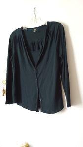chandails, manteau, pantalons M, L et XL