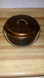 SMART'S 3 piece Cast Iron no.8 Dutch Oven  Made in Canada