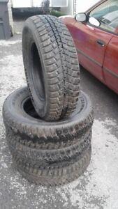 pneu d'hiver a clous 15 pouce