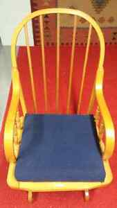 Beautiful solid maple rocker with foot stool Cambridge Kitchener Area image 2