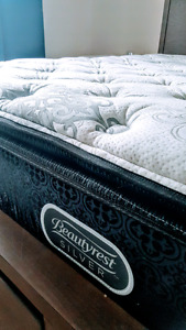2 week old king size beautyrest pillow top