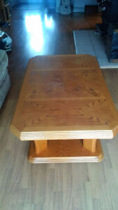 excellent condition coffee table and end tables