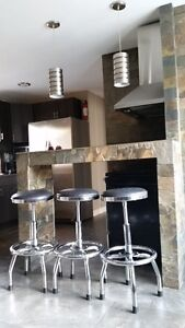 3 BEDROOMS, STUDENTS DREAM HOUSE, UWO/DOWNTOWN AREA!