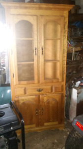 Belle armoire buffet en coin
