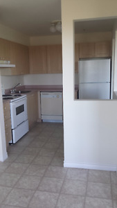 2 bedroom all laminate Avail. Immediately