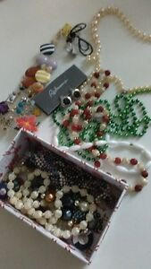 Box of Costume Jewelry for Kids to play with Kitchener / Waterloo Kitchener Area image 1