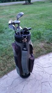 Right Handed Set of Clubs and Bag