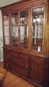 Dining room set table chairs and hutch Peterborough Peterborough Area image 2