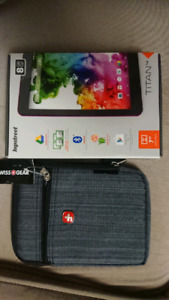 LNIB never used before Hipstreet TITAN 4 tablet 8g with case