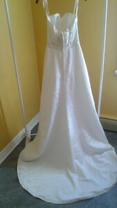 JASMINE GOWN SIZE 8 WITH ADJUSTABLE CORSET