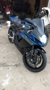 GSX-R 750 - low km + extras