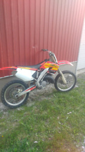 2000 honda cr 125r 2 stroke dirtbike for trade