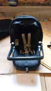 Peg perego car seat base  Cambridge Kitchener Area image 4