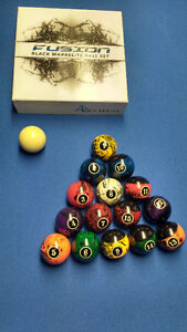 Billiards Pool Ball Set and Coors Light Table Lamp