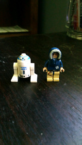 Lego R2D2 and Han Solo