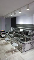 Rent Space / Comission / or Salary, Nail Bar, 5 min Metro Acadie