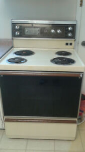 STOVE  (MAKE HOT POINT) ONLY FOR $99