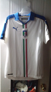 Italy Soccer Jersey (Puma) - Brand new without tags