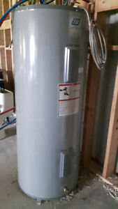 HOT WATER HEATER  75 US GAL