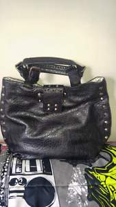 GREAT PURSE...NEVER USED. NEW! $15.00