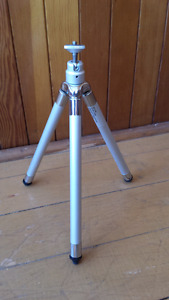 Expandable Camera metal stand never used