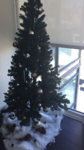 Christmas Tree (lights & ornaments included)