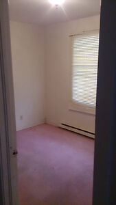 Looking for Roommate- 350/month + 1/3 power bill & internet bill