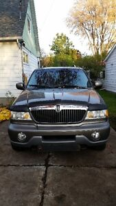 2001 Lincoln Navigator SUV, Crossover West Island Greater Montréal image 2