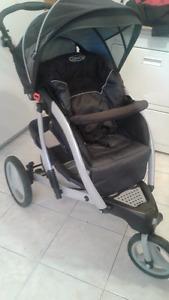 Poussette Graco trois roues stroller