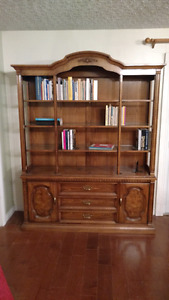 Solid Oak bookshelf / book cabinet