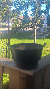 Vintage Large Cast Iron Cauldron Garden Planter Pot Yard Decor