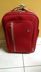 TOMMY HILFIGER CARRY-ON SUITCASE