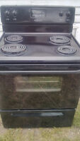 Frigidaire stove works exc.free delivery.