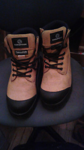 Barely used steel toed work boots.