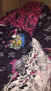 Monster high comforter with sheet and pillow case