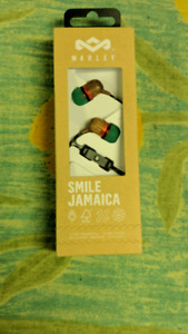 Bob Marley Smile Jamaica in-ear headphones made of pure wood.