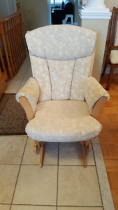 GREAT CONDITION NATURAL SLEIGH GLIDER CHAIR AND CRIB FOR SALE !