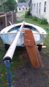 14 foot fiberglass sailboat with 10 foot mast trailer