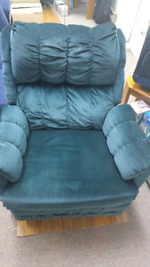 Recliner Buy Or Sell Chairs Amp Recliners In Ottawa