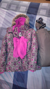 Girl's winter suit. Size 7