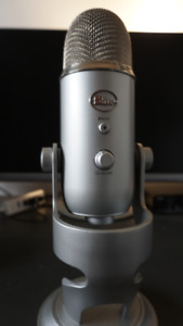 Blue Yeti USB Microphone Silver/Argent