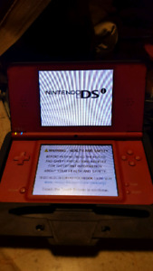 Nintendo DS i XL. Games, case and cable.